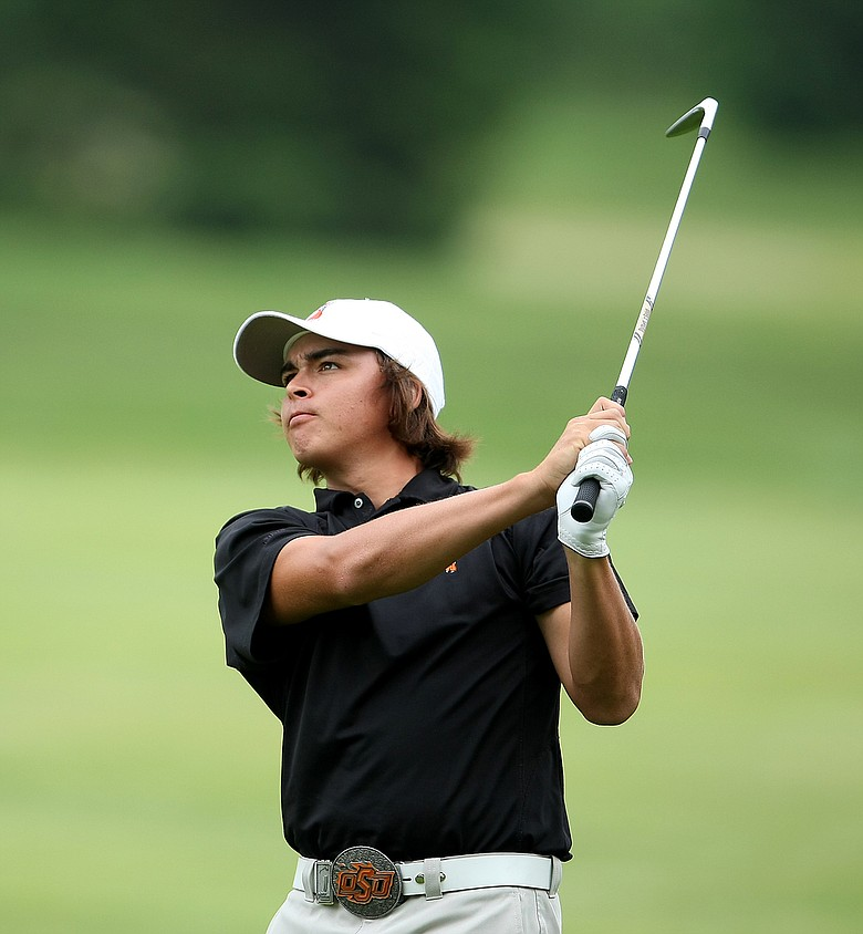 Rickie Fowler hits a shot at 2008 NCAA Championship.