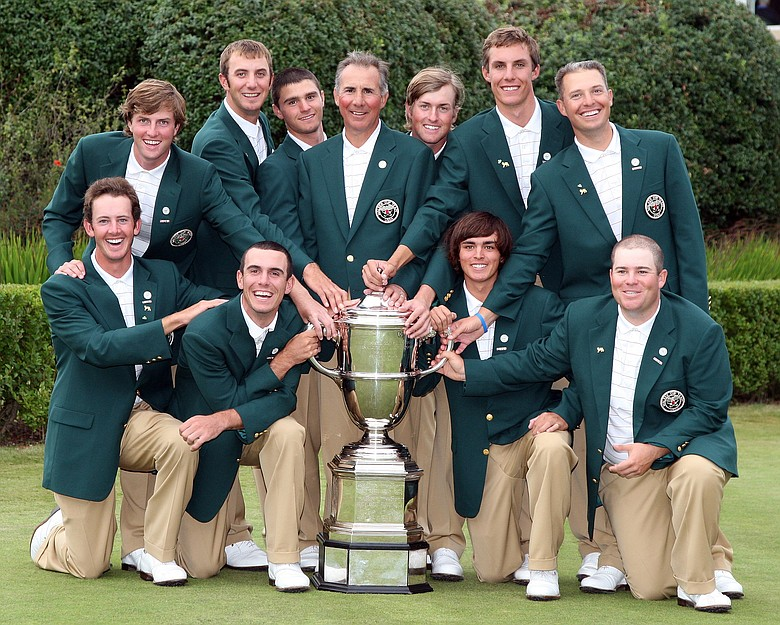 The victorious American team with the Walker Cup in 2007.
