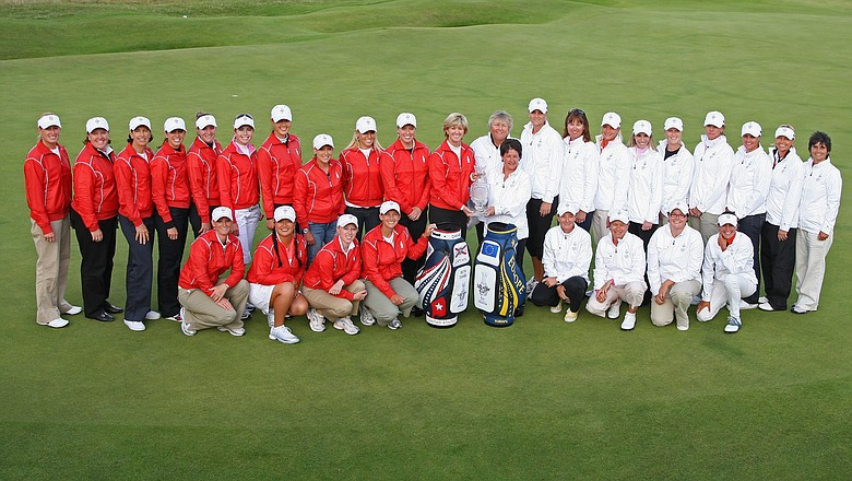 Europe and USA Solheim Cup Team Captains Alison Nicholas and Beth Daniel pose with their team members following a Press Conference to announce the teams for the 2009 Solheim Cup.