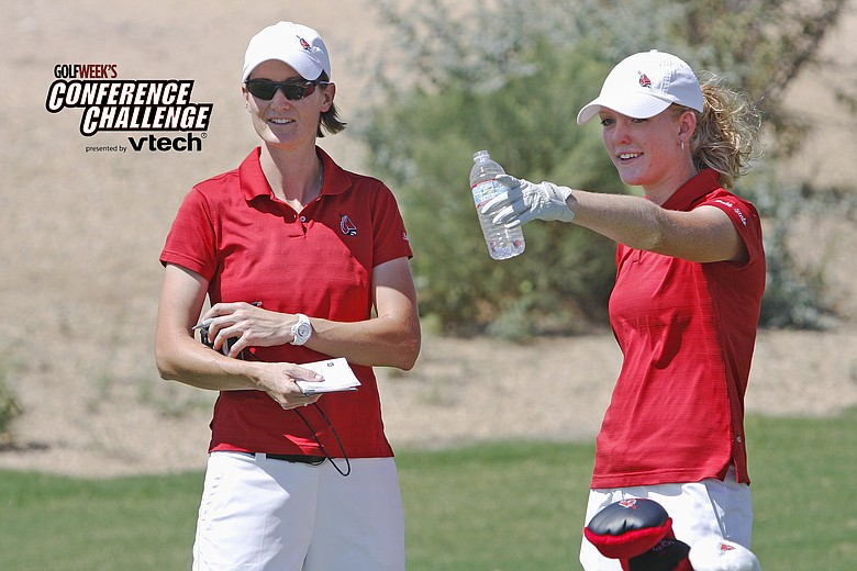 Katie Windlan (right) and Ball State coach Katherine Mowat in between shots at Golfweek's Conference Challenge.