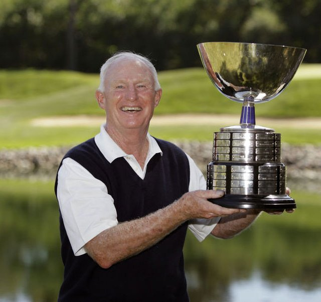 Vinny Giles III holds the trophy after winning the USGA Senior Amateur Sept. 17.
