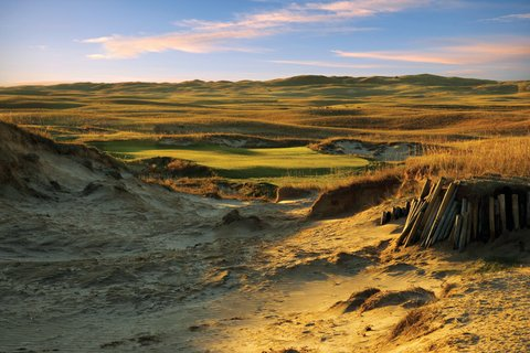 No. 7 on the Dunes Course at The Prairie Club.