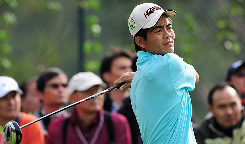 Liang Wen-chong plays his tee shot on the 11th hole during the second round of the Hong Kong Open on Nov. 12, 2009.