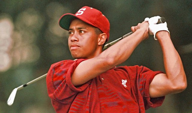 After a stellar career at Stanford that included a victory at the 1996 NCAA Championship, Tiger Woods will be inducted into the Stanford Athletics Hall of Fame.