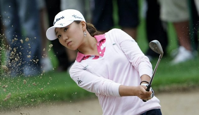 In-Kyung Kim plays a shot during Round 3 of the Dubai Ladies Masters.