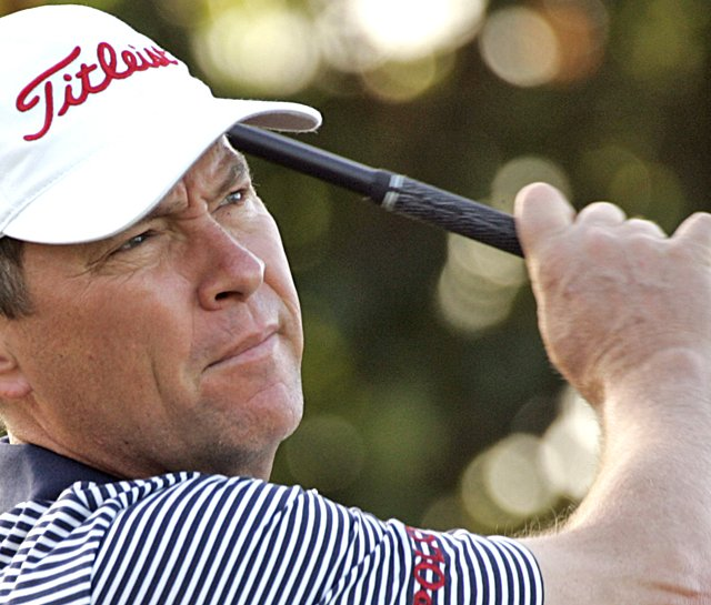 Davis Love III is tied for the early lead at the Sony Open.