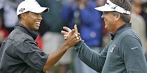 Perry ready to 'hug' Woods upon return