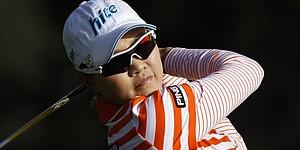 Seo leads Kia Classic, Wie 2 back