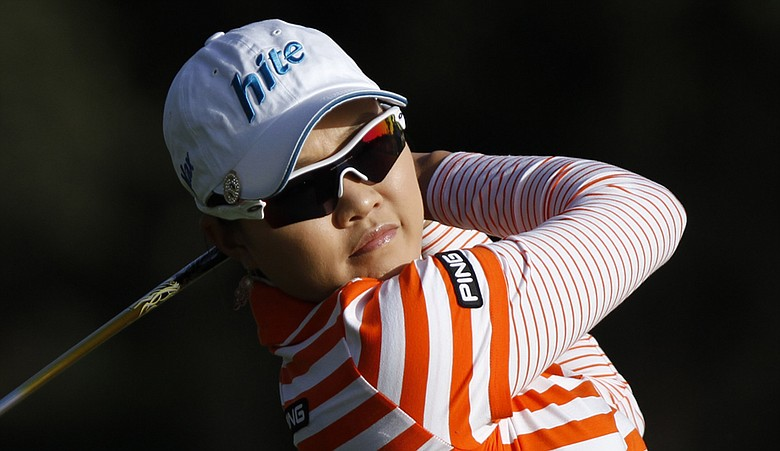 Hee Kyung Kim leads the Kia Classic by one shot after Round 2.