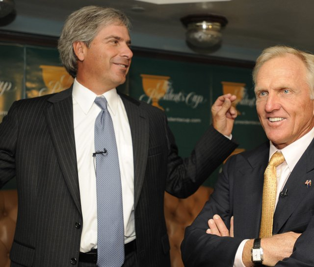 Greg Norman Fred Couples at news conference prior to the 2009 Presidents Cup.