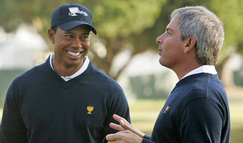 Tiger Woods and Fred Couples at the 2009 Presidents Cup.