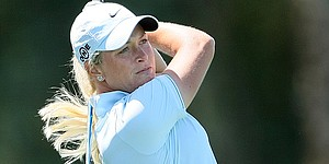 Pettersen leads Ochoa by 1 at Kraft