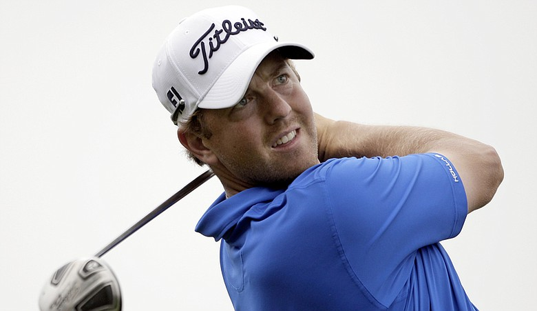 Bryce Molder shot a bogey-free 6-under 66 Friday to take a one-stroke lead at the Shell Houston Open.