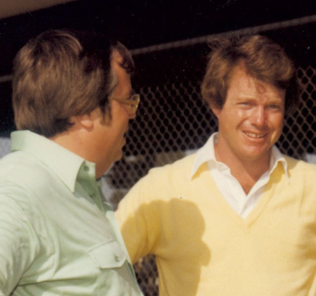 Mike Bentley (left) talks with Tom Watson, the AJGA's first honorary chairman.