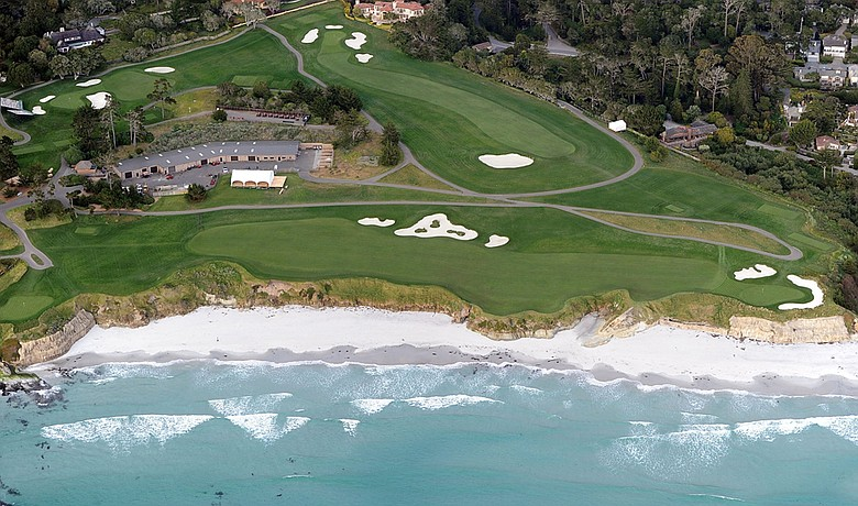 The USGA has pushed the fairways to the edge of the shoreline, like here at No. 10.
