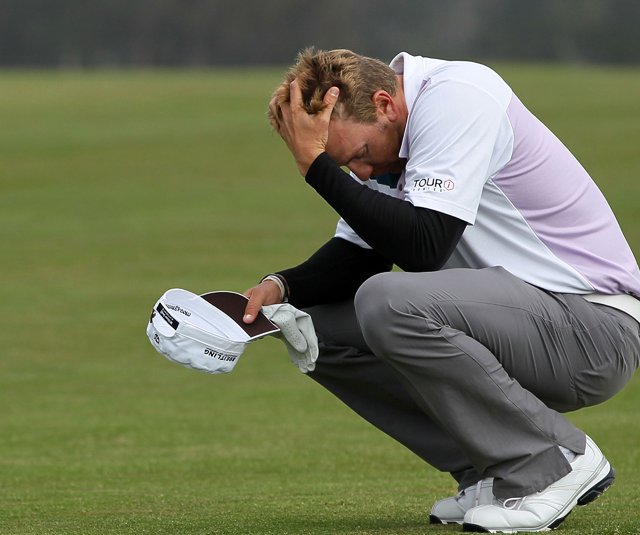 Ricky Barnes reacts to a shot at the 14th hole during Round 2.