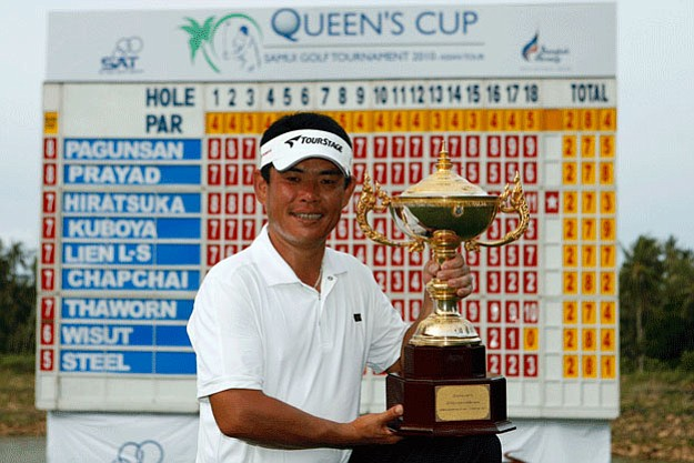 Tetsuji Hiratsuka celebrates his success in Samui.