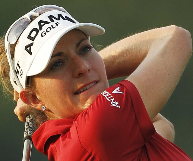 Brittany Lang shot a 2-under 69 to take the early lead at the U.S. Women's Open.