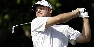 Bohn shakes off jet lag to play Old Course