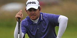 Oosthuizen takes lead at Open