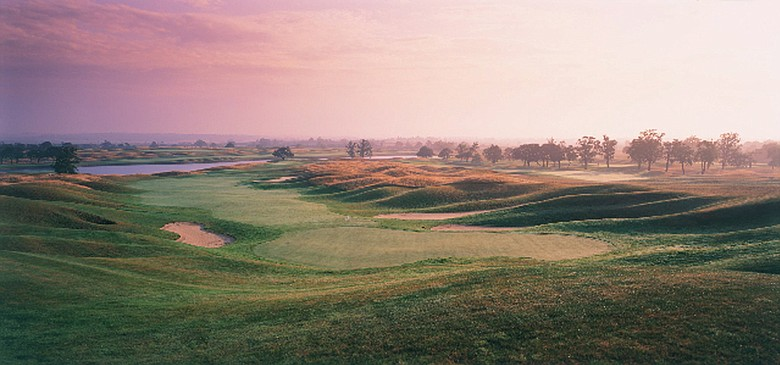 Golfers visiting The Oxfordshire Golf Club now can stay at The Oxfordshire, a new 50-room hotel. No. 9 at the Oxfordshire GC pictured.