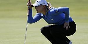 Pressel shoots course-record 65 at Birkdale