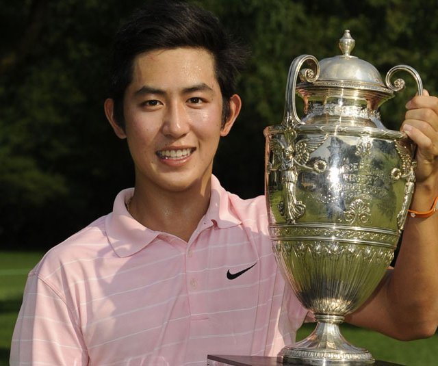 David Chung with the Western Amateur trophy.