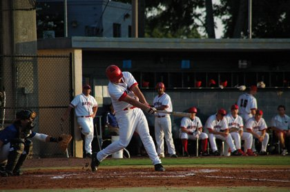 Only one run would separate the Diamond Dawgs from the Lightning in the championship game, as a pitchers' duel kept things close through all nine innings.