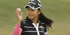 Miyazato wins Safeway; reclaims world No. 1