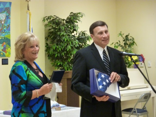 Congressman John Mica (R-Fla.) visited the Jewish Academy of Orlando on Friday, Aug. 27.