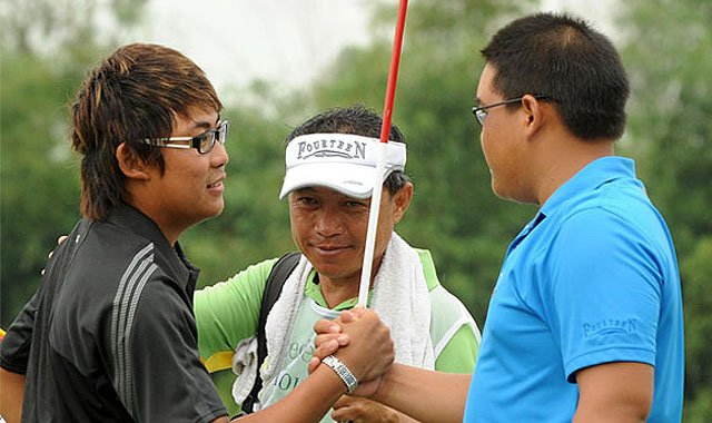 Nicholas Fung of Malaysia defeated 17-year-old Panuphol Pittayarat of Thailand, 4 and 3, at the 2010 Mercedes-Benz Masters Vietnam.