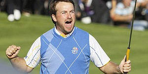 Europe survives U.S. rally to win Ryder Cup