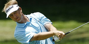 Toms takes one-shot lead at McGladrey