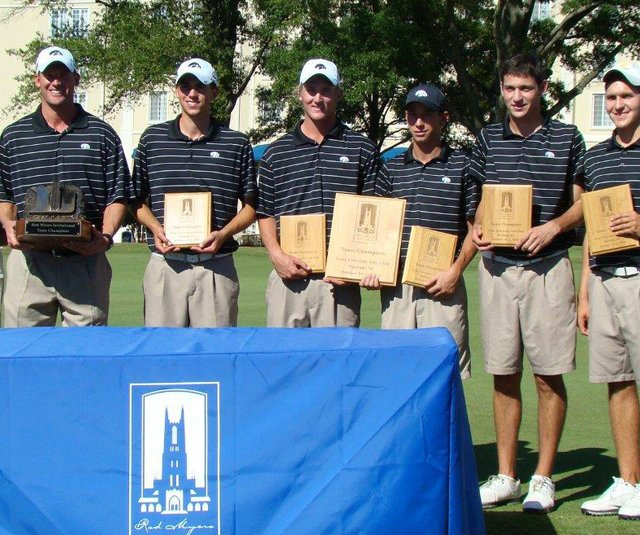 The Iowa Hawkeyes after winning the Rod Myers Invitational on Oct. 11.