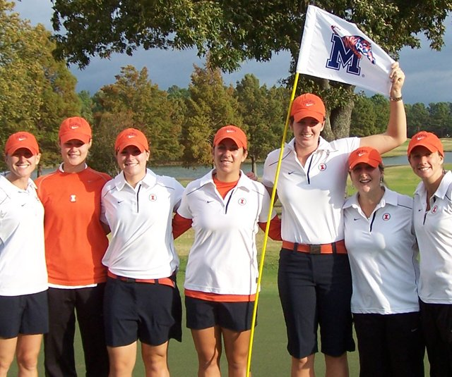 Illinois, from left: head coach Renee Slone, Hailey Koschmann, Ember Schuldt, Sammi Sloan, Nora Lucas, Katie Dilger and assistant coach Stephanie Wagemann.