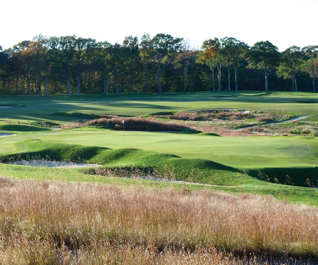 The par-3 15th hole at St. George&#39;s