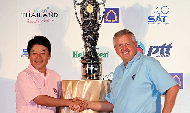 """Royal Trophy's Asia team captain Naomichi """"Joe"""" Ozaki of Japan poses with European team captain Colin Montgomerie of Scotland ahead of the 2011 Ryder Cup-style match play event in Thailand. Europe won 9-7."""