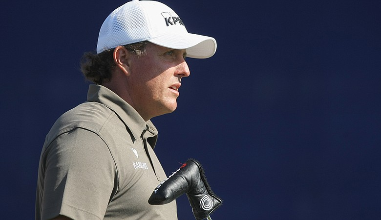 Phil Mickelson shot a third-round 68 at Torrey Pines South.