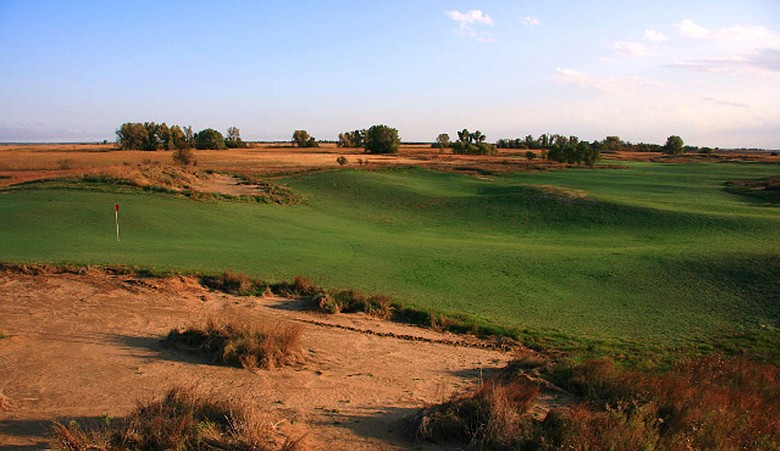 No. 12 at Awarii Dunes Golf Club
