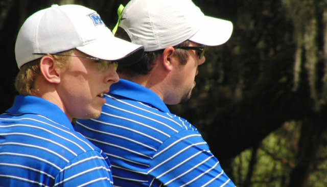 Middle Tennessee's Hunter Green (left) talks with assistant coach Kent Bulle.