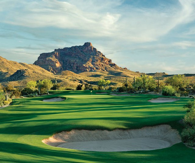 No. 8 at We-Ko-Pa&#39;s Saguaro course, designed by Bill Coore and Ben Crenshaw.