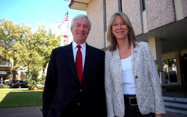 Outgoing Winter Park City Commissioners Phil Anderson and Beth Dillaha pose in front of City Hall on March 14.