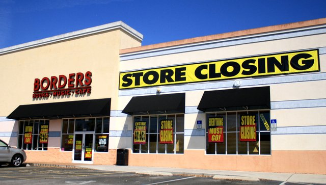 Oviedo's Borders book store prepares to close along with 12 Orlando area stores.