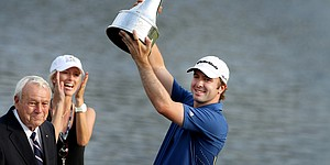 Despite closing 75, Laird hangs on at Bay Hill