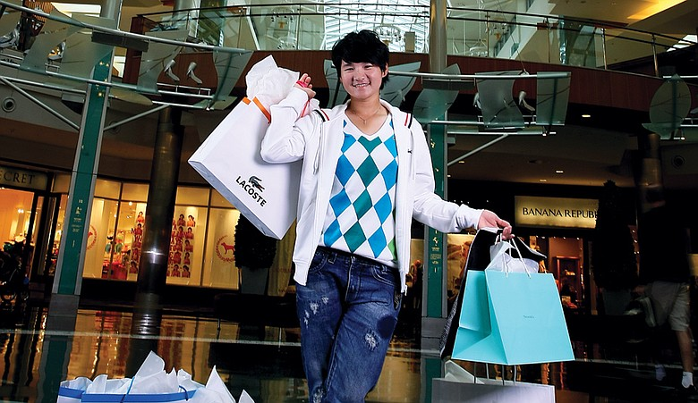 Yani Tseng likes to shop, but bagging trophies matters most to the World No. 1.
