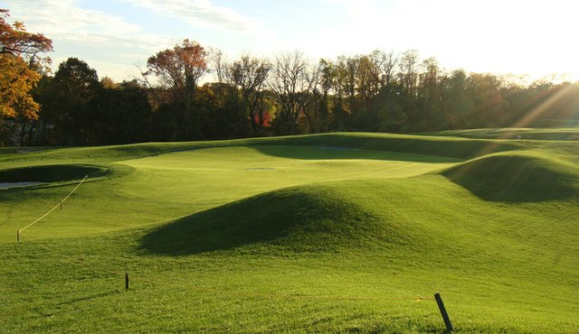 View of the 6th green at North Shore Country Club.