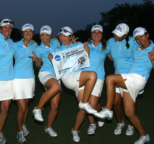 The UCLA Bruins celebrate winning the 2011 Women&#39;s NCAA Division I Championship.
