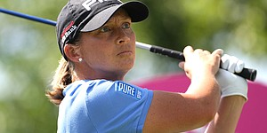 Stanford, Miyazato lead Canadian Women's Open