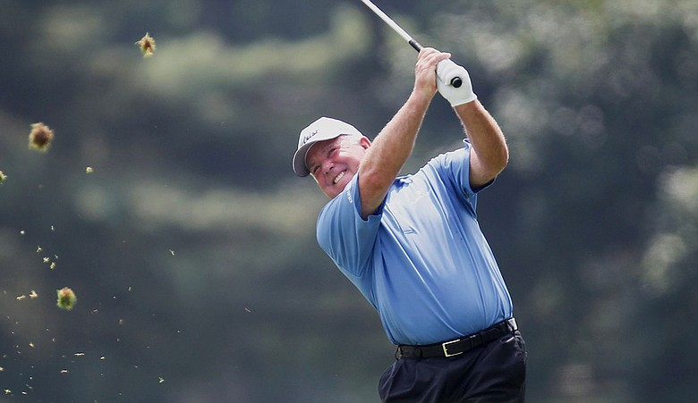 Mark O'Meara watches his shot to the 17th green during the first round of the U.S. Senior Open at the Inverness Club.