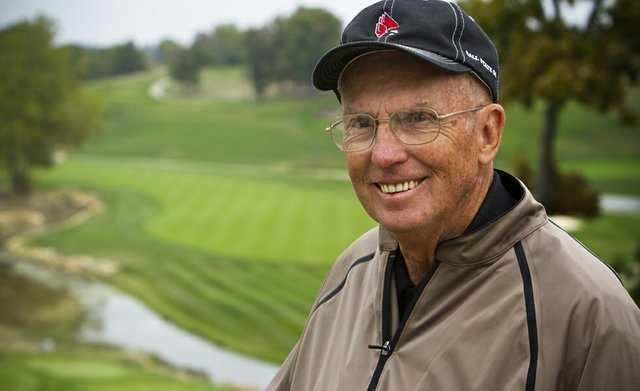 Former Ball State coach Earl Yestingsmeier passed away on Jan. 9. He was 80.